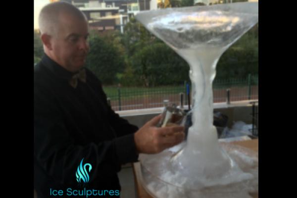large-martini-glass-492A6EA35-AAAA-D922-B595-706E0FC0F766.png