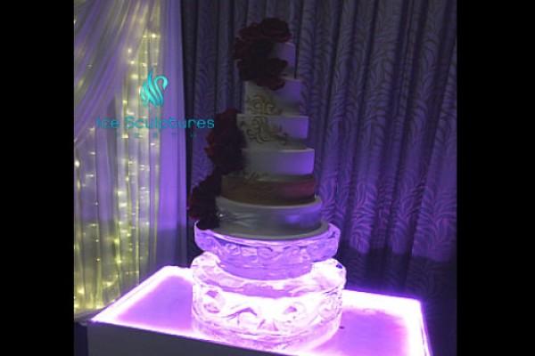 cake-stand-29F7F7B06-2EA1-C745-8A98-3DBCEF8692E3.jpg