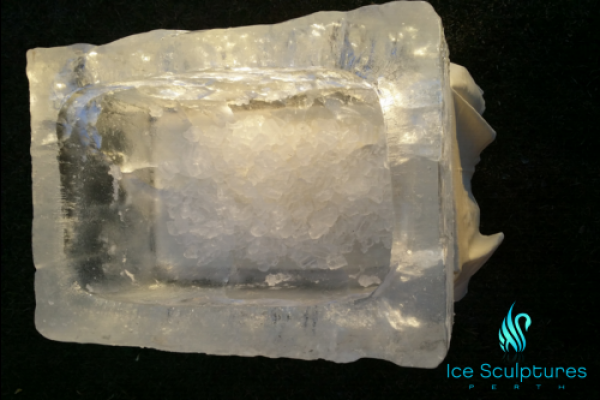 large-ice-box-2095C7DC4-95F0-E5B9-DF17-62B5FB44FC4A.png