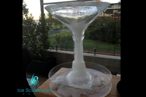 large-martini-glass-1E94DBE03-98F7-E5E1-A9FE-6384A27289A4.png