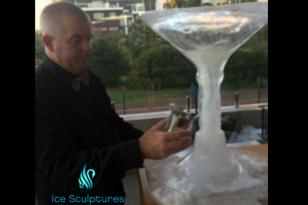 large-martini-glass-47A6EF989-0160-A5F5-0F3C-764712EFE0BF.png